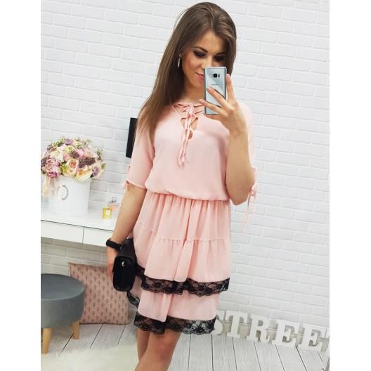 Voľné šaty na leto v ružovej farbe s čiernym lemovaním