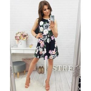 Čierne šaty nad kolená s kvetmi na každú príležitosť