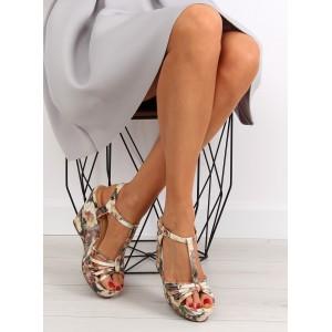 Letné sandále na platforme v béžovej farbe s kvetinami