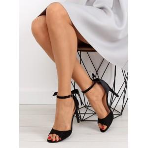 Čierne sandále na opätku s mašličkou vzadu