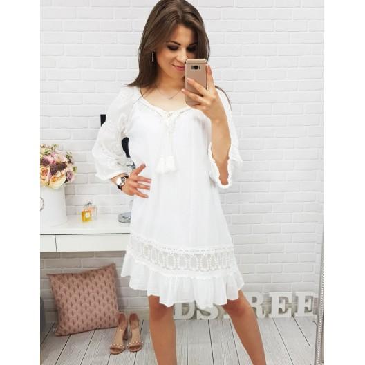 Biele šaty na leto voľného strihu