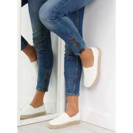 Dámske topánky na leto v bielej farbe