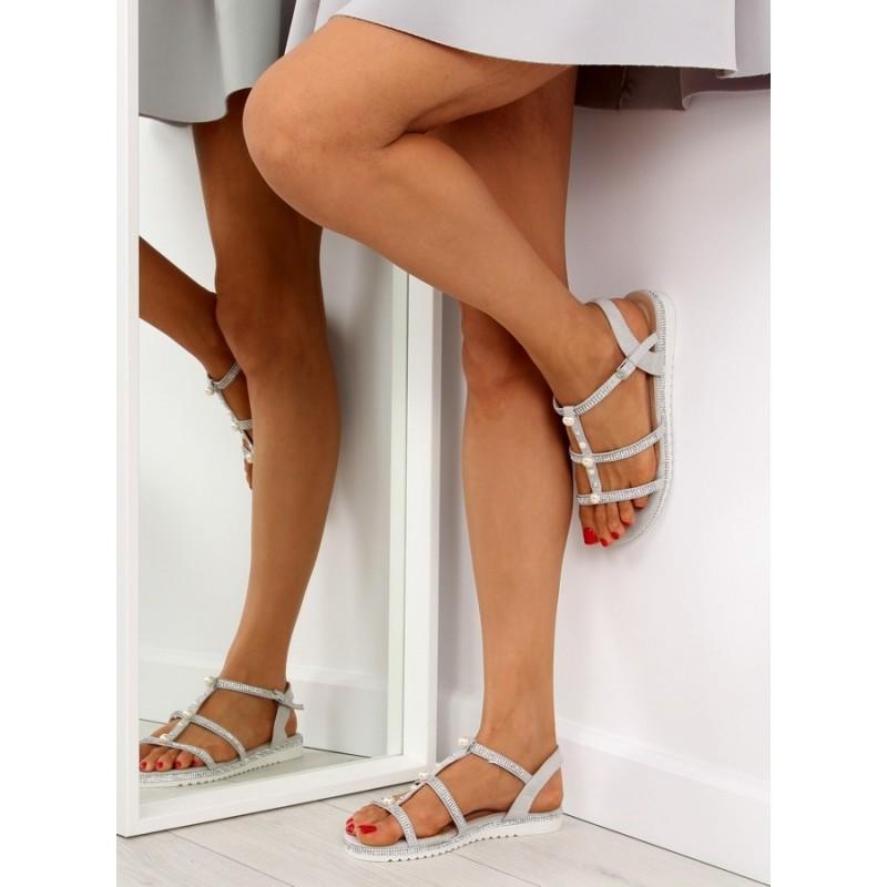 203addbf0fb3 Letné sandále nízke ozdobené kamienkami