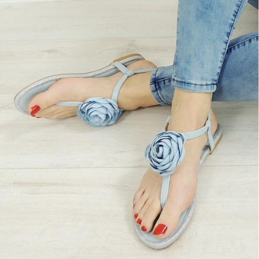 Elegantné sandále s modrým kvetom