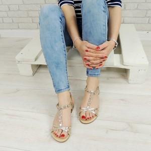 Elegantné dámske sandále v zlatej farbe