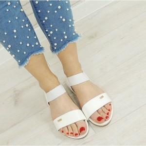 Štýlové sandále na leto v bielej farbe