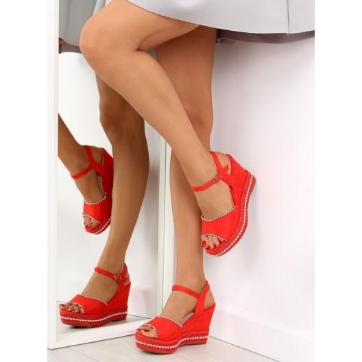 Dámske sandále na opätku červenej farby