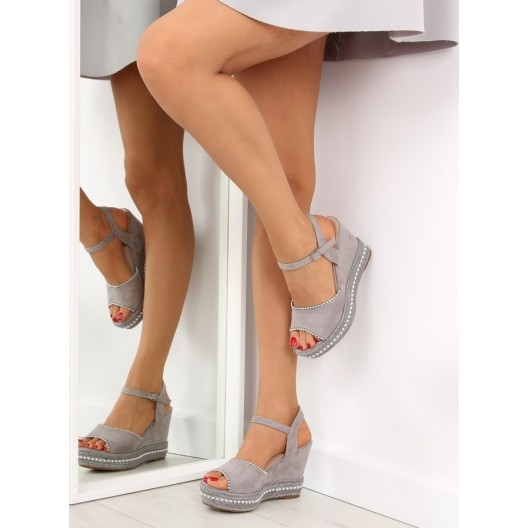 Sandále na hrubom opätku