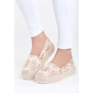 Letná obuv ružovej farby s hrubou podrážkou