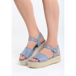 Sandále na platforme modrej farby
