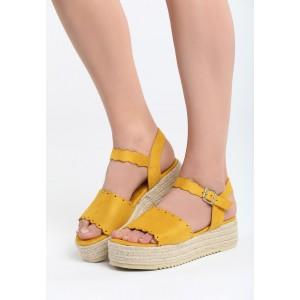 Platformové sandále na leto v žltej farbe