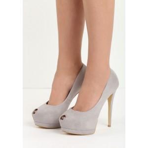 Topánky na vysokom opätku v sivej farbe