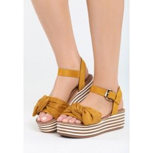 Sandále na platforme žltej farby
