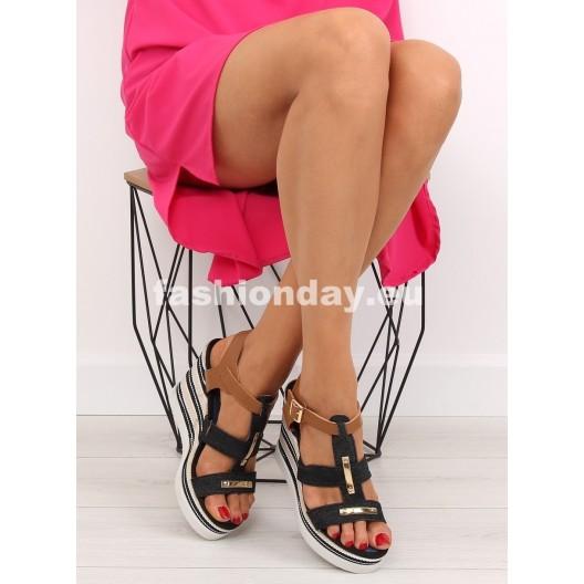 Sandále na platforme v čiernej farbe