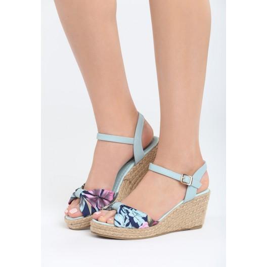 Sandále na leto mätovej farby