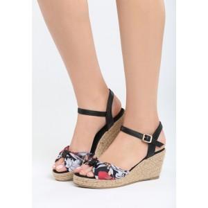 Čierne sandále na opätku s mašľou