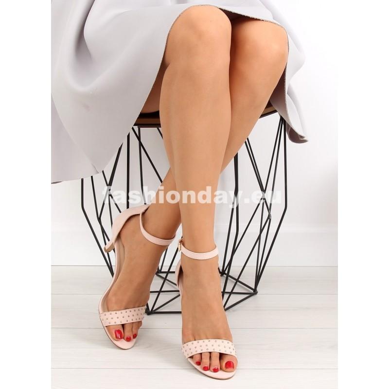 Dámske sandále na opätku 5a7af4787b5