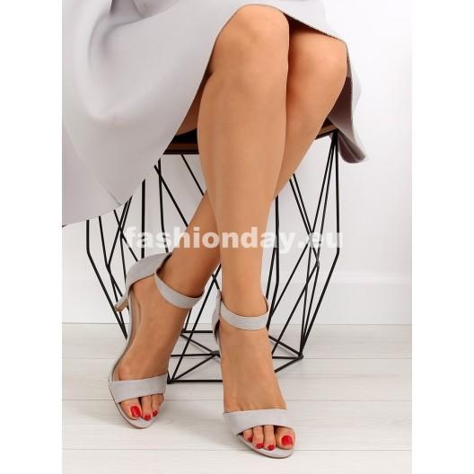 Sandále na opätku