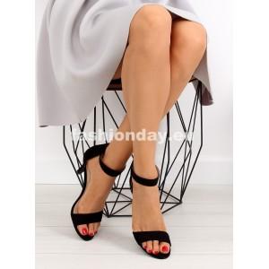 Čierne sandále na opätku