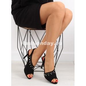 Vysoké sandále v čiernej farbe