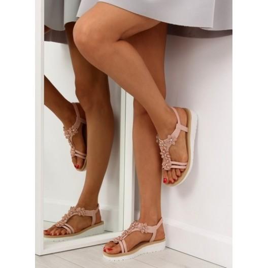 Pohodlné sandále ružovej farby