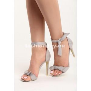 Sandále na opätku s mašľou