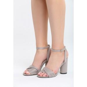 Sandále na opätku v sivej farbe semišové