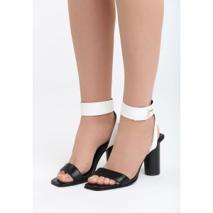 Dámske sandále na vysokom opätku