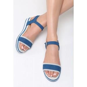 Letné sandále na platforme tmavo modrej farby