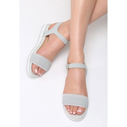 Sandále na rovnej platforme sivej farby