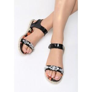 Remienkové sandále čiernej farby