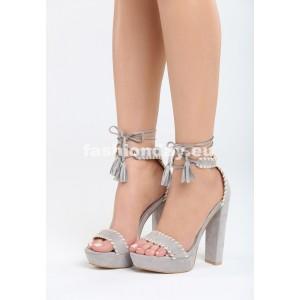 Vysoké sandále na leto