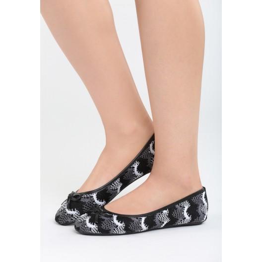 Dámske čierne balerínky čipkované