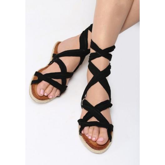 Čierne sandále na rovnej podrážke